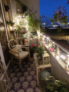 Illuminez le balcon de vos amis :)