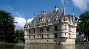 Comment sauver un château en collectant des dons