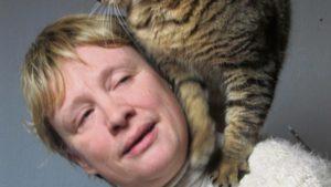 Marie-Claude, une des bénévoles de l'association Félin Possible 76