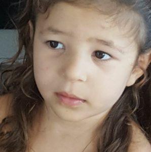 La jolie petite Liah combat chaque jour sa maladie