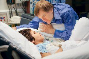 Aider les parents d'un enfant hospitalisé par vos paroles