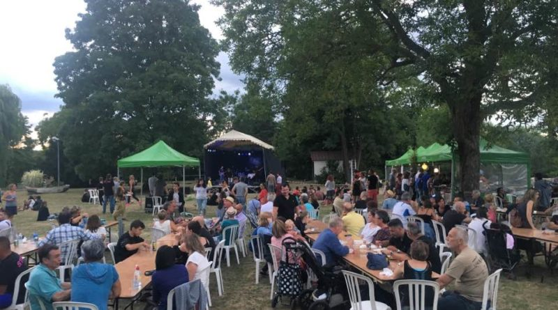 Un festival de musique convivial au milieu de la nature