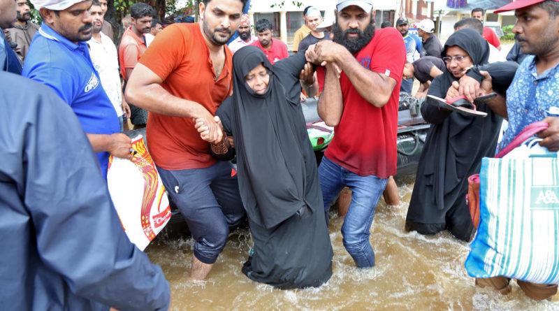 La population est durement touchée par la mousson au Kerala